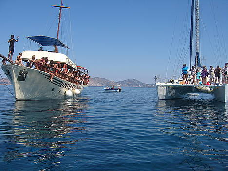Newnow Photography By Vera Cepic - Excursion boats on the island of Zakinthos shot from the sea