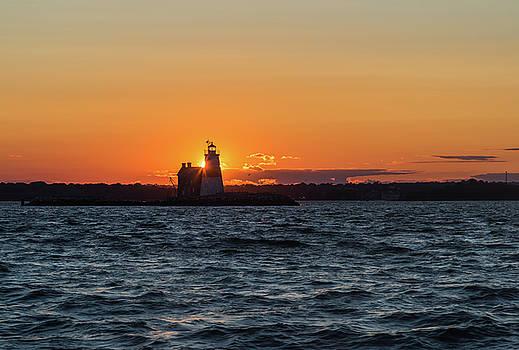 Execution rock lighthouse by Zina Zinchik