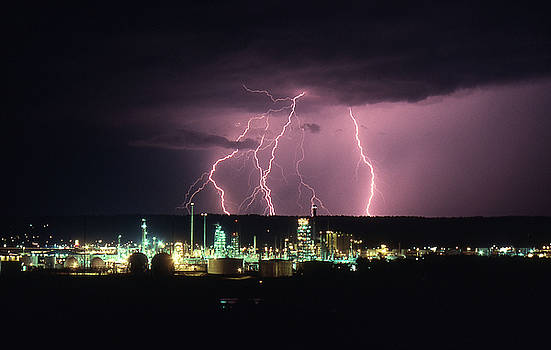 Exxon Lightning by Dave Rennie