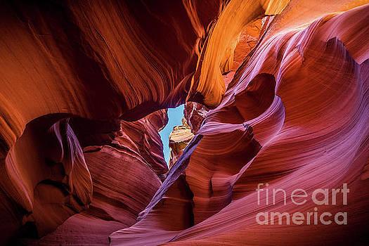 Jamie Pham - Eye of the Canyon - The amazing Antelope Slot canyons in Arizona, USA.