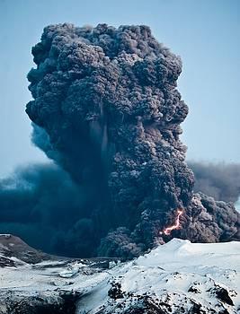 Eyjafjallajoekull volcano, Iceland by Michael Schofield