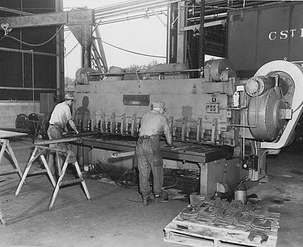 Chicago and North Western Historical Society - Fabrication at Machine Shop in Clinton Iowa