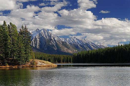 Reimar Gaertner - Fairholme Range mountains at Johnson Lake Banff National Park