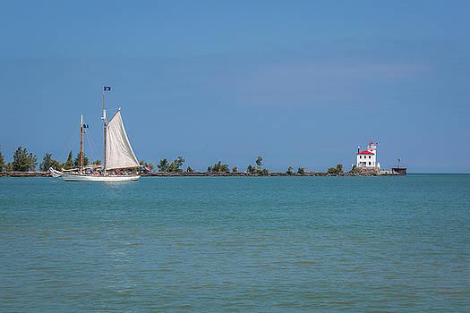 Jack R Perry - Fairport Harbor Lighthouse  Appledore IV