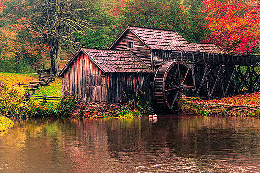 Dave DeBaeremaeker - Fall Colours At Mabry Mill