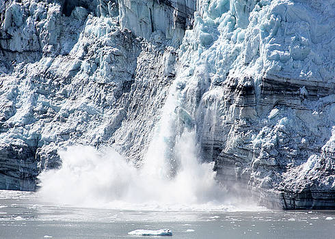 Ramunas Bruzas - Falling Ice in Alaska