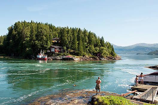 Family fishing  paradase in Norway by Tamara Sushko