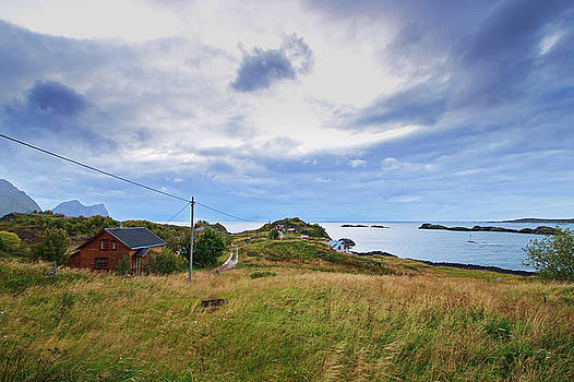Farm houses near Hamn on the westside of island Senja by Intensivelight