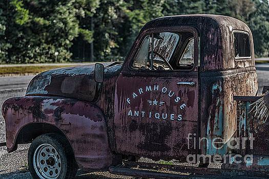 Dale Powell - Farmhouse Antiques
