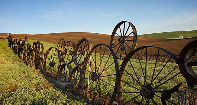 Mary Lee Dereske - Fence of Wheels
