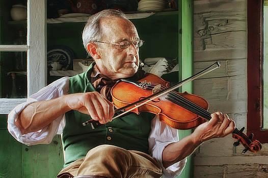 Nikolyn McDonald - Fiddler