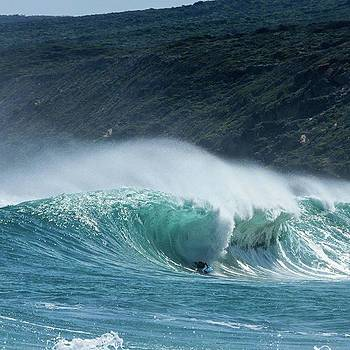 @findizzles Scooping In! #wa #wawaters by Mik Rowlands