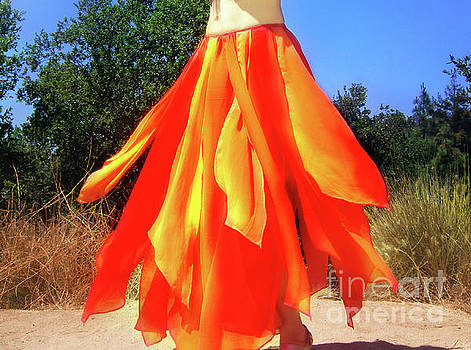 Sofia Metal Queen - Fire color skirt - Ameynra belly dance fashion