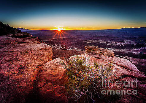 First light at the Canyonlands by Steven Reed