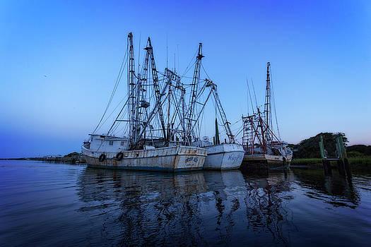 Fishing Boat Dawn by Alan Raasch