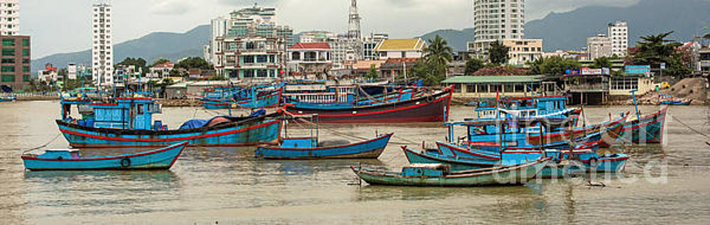 Fishing Boats of Vietnam by Jim Chamberlain