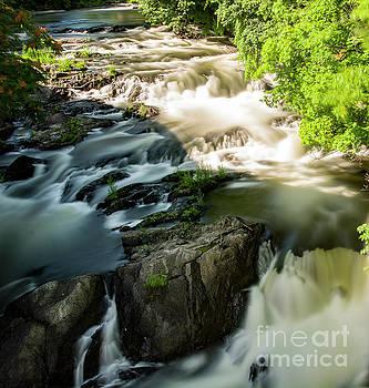 Fishkill Creek Waterfalls by Reynaldo Brigantty