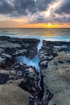 Fissure Sunset by Robert Bynum