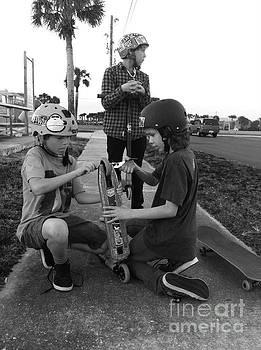 Fixing a skooter by WaLdEmAr BoRrErO