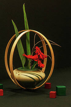 Flow ikebana by Carolyn Dalessandro