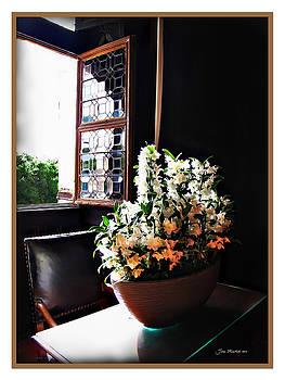Joan  Minchak - Flowers at Chenonceau