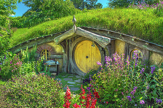 Flowers In The Shire by Racheal Christian