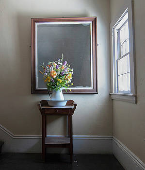 Flowers in the staircase, Star island by Ken Kartes