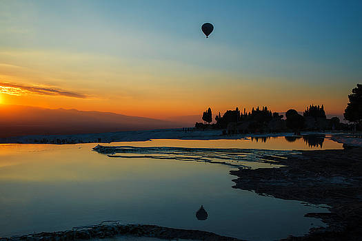 Fly away by Yuri Santin