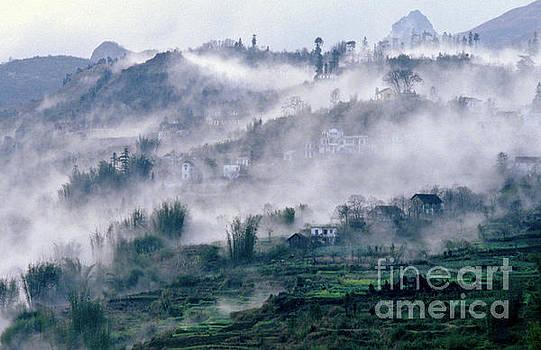 Foggy Mountain of Sa Pa in Vietnam by Silva Wischeropp