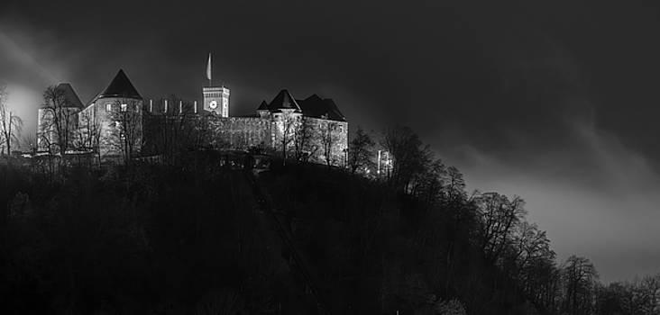 Vyacheslav Isaev - Foggy night in Ljubljana