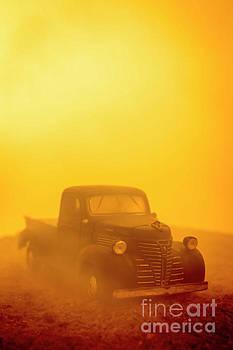 Edward Fielding - Foggy Sunrise Old Truck