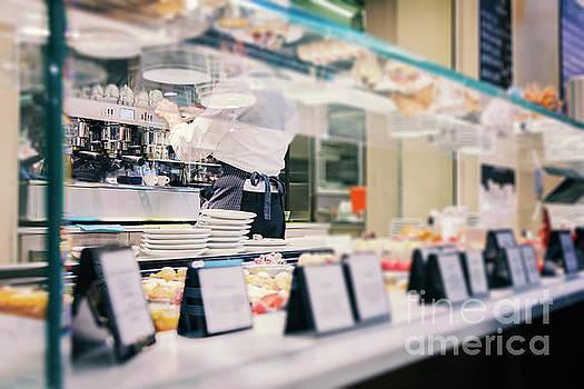 Sophie McAulay - Food court espresso bar