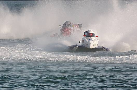 Formula one Catamaran by Patrick Chauvet