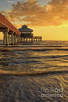 Edward Fielding - Fort Myers Beach Fishing Pier at Sunset