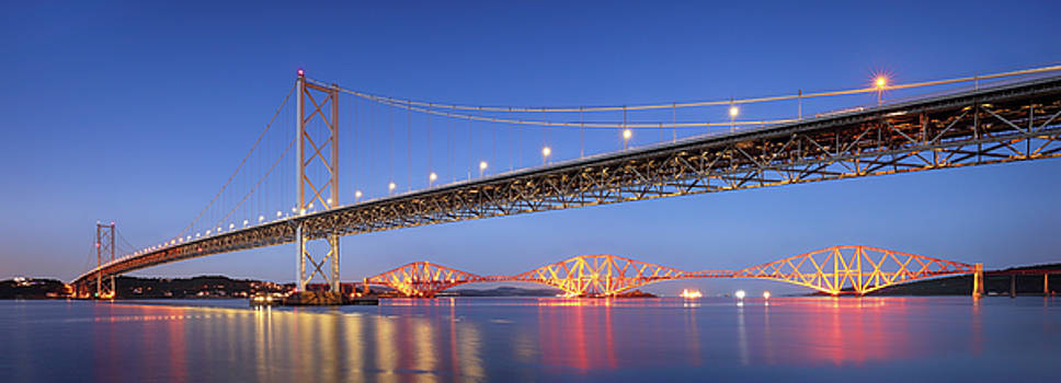Forth Bridges by Grant Glendinning