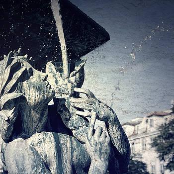 Fountain in Lisbon by Mickael PLICHARD