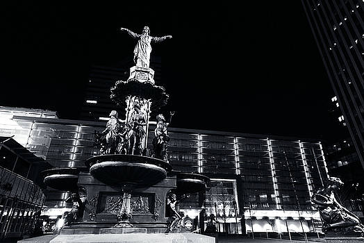 Fountain Square BW by Russell Todd