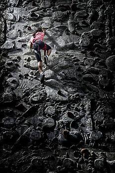 Free climbing by Livio Ferrari