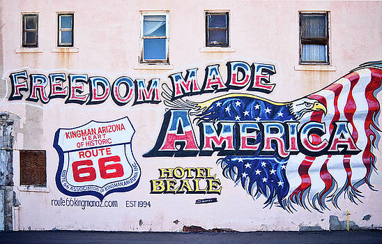 Tatiana Travelways - Freedom Made America - mural art on route 66