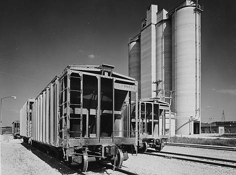 Chicago and North Western Historical Society - Freight Cars Ship Cement