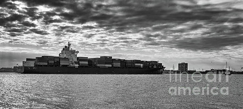 Freighter Mare Atlanticum by Dale Powell