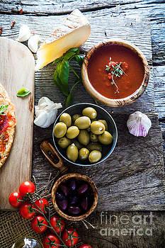 Fresh pizza ingredients by Mythja Photography