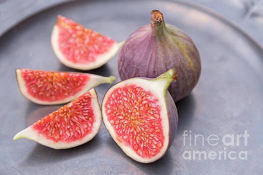 Sophie McAulay - Freshly cut ripe figs
