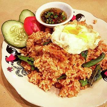 Fried Thai Red Curry Rice With Chicken by Arya Swadharma