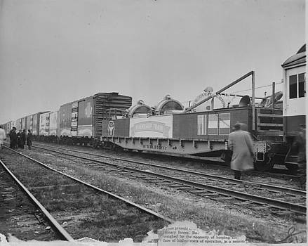 Chicago and North Western Historical Society - Friendship Train Carrying Spotlights - 1947