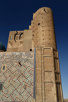 Reimar Gaertner - Front unfinished brick tower of Khoja Ahmed Yasawi Mausoleum in