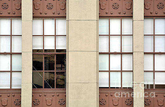 Frontage by Dan Holm