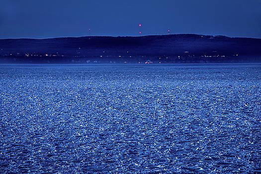 onyonet  photo studios - Frozen Bay At Night