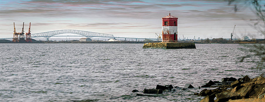 Ft. Howard Lighthouse - Pano by Brian Wallace