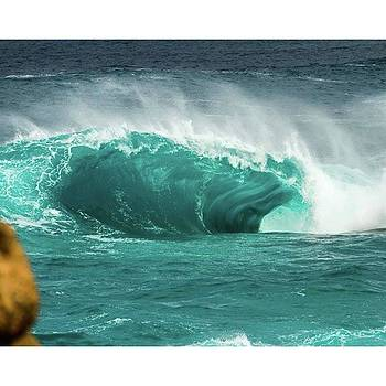 Fugly!  #wa #surf #wave #slab #waveporn by Mik Rowlands
